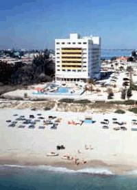 HOWARD JOHNSON PLAZA DEZERLAND  BEACH & SPA
